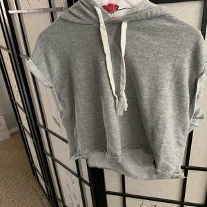 Muscle tee hoodie